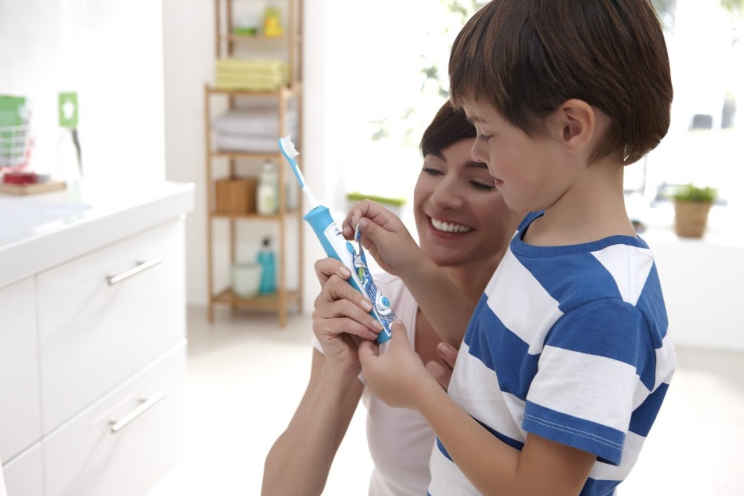 Philips Sonicare for Kids - Apply the Sticker